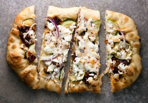 Sundried Tomato and Zucchini Pizza with Goat Cheese #WeekdaySupper