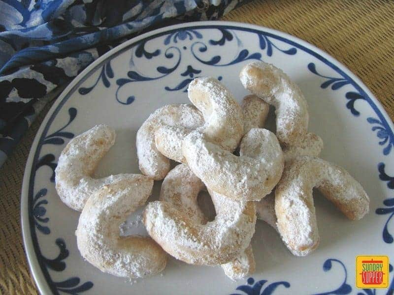 Kourabiethes greek wedding cookies recipe