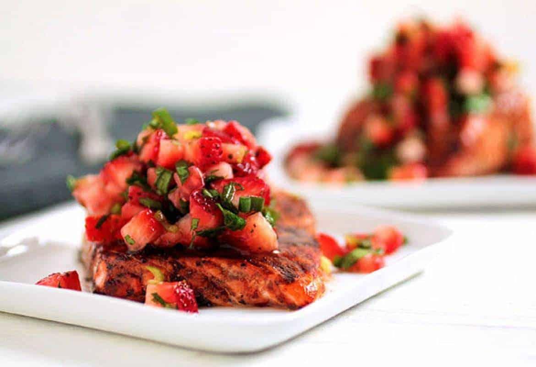Balsamic Glazed Salmon with Strawberry Salsa #WeekdaySupper # ...