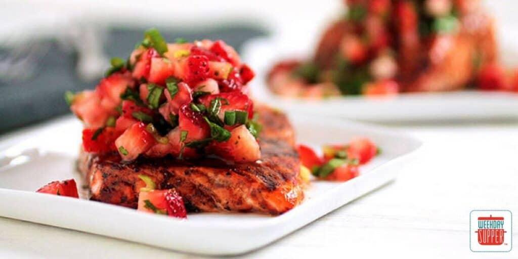 Balsamic Glazed Salmon with Strawberry Salsa #WeekdaySupper #FLStrawberry