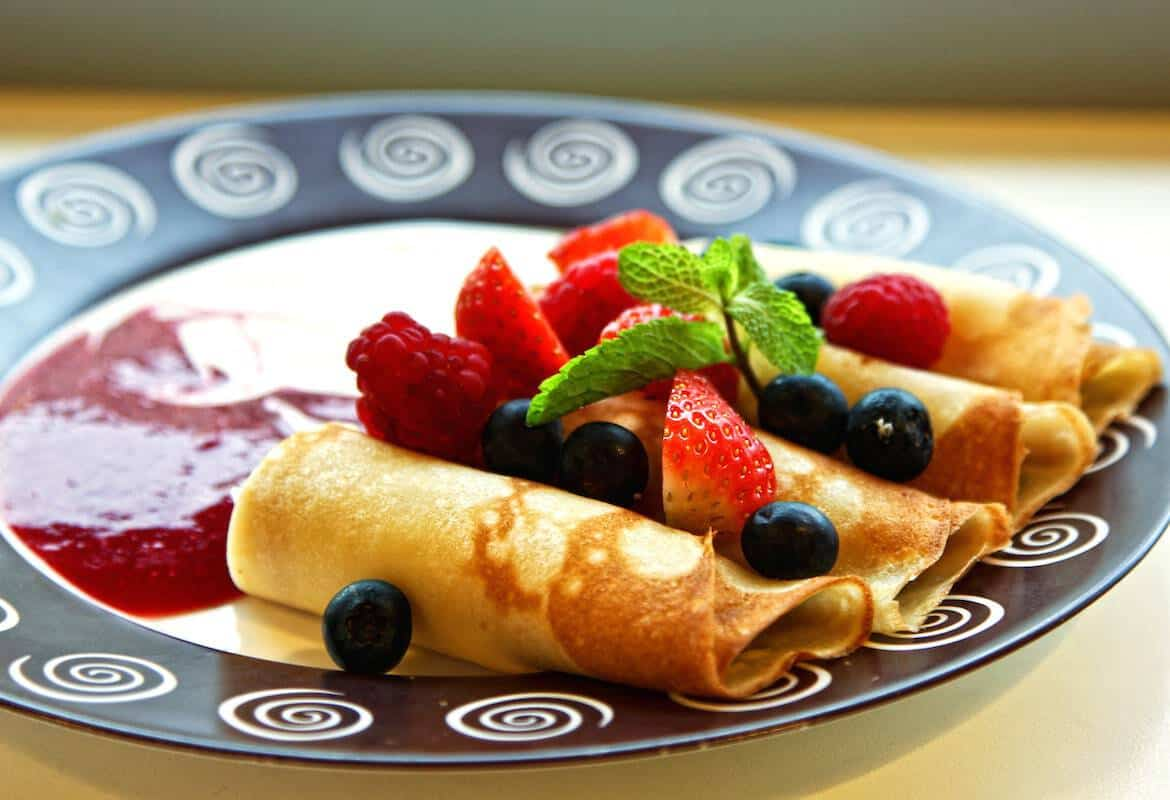 Easy Strawberry Crepes #WeekdaySupper #FLStrawberry