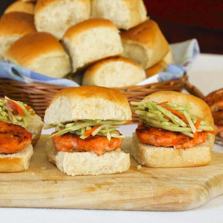 Sunday Supper recipes: Easy Salmon Sliders with Broccoli Slaw #SundaySupper