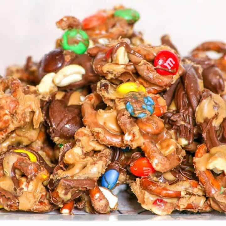 Quick Chocolate Peanut Butter Pretzel Mix #SundaySupper