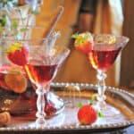 Sunday Supper recipes: Sparkling Strawberry Sangria #WeekdaySupper #FLStrawberry