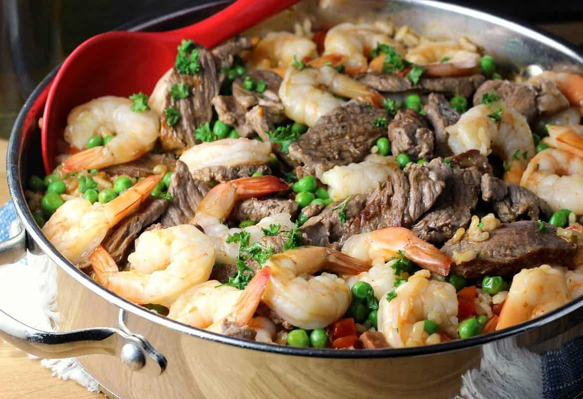 Easy-Paella-Recipe-with-Beef-and-Shriimp