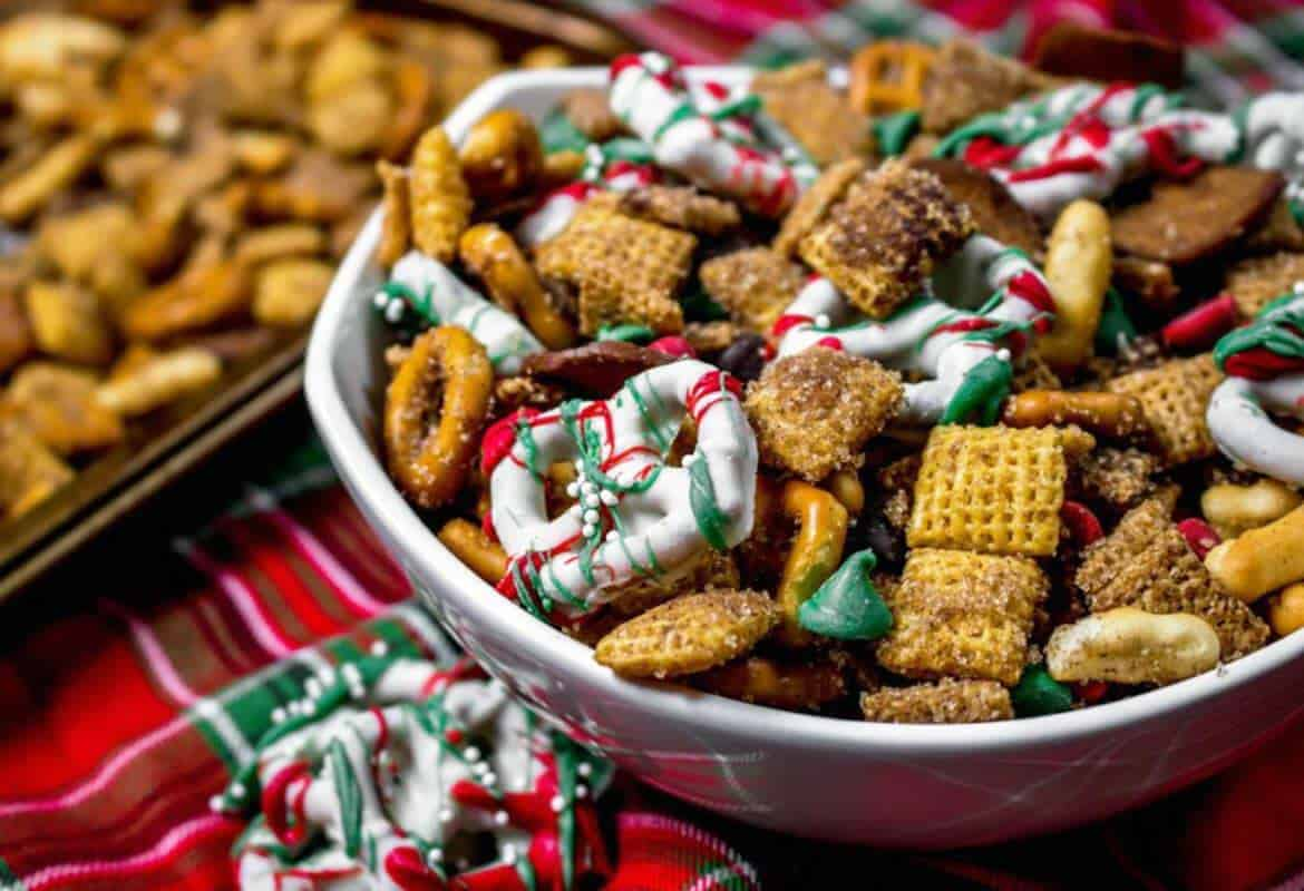 christmas chex mix recipe sunday supper movement - Christmas Crack Recipe Chex