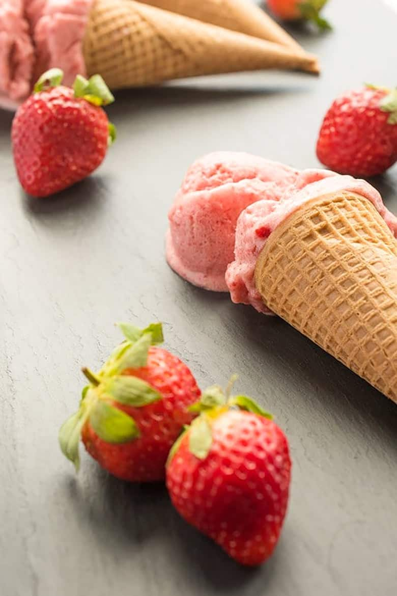 Vegan Strawberry Ice Cream (No Churn)