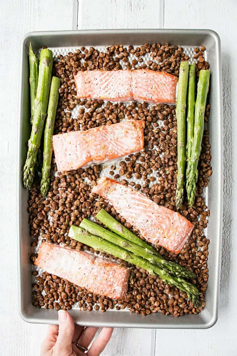 Sheet Pan Salmon, Lentils, and Asparagus