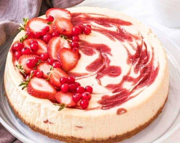 Strawberry Swirl Cheesecake - Top Recipes of 2019