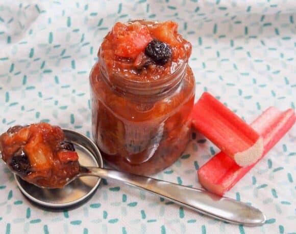 rhubarb chutney featured