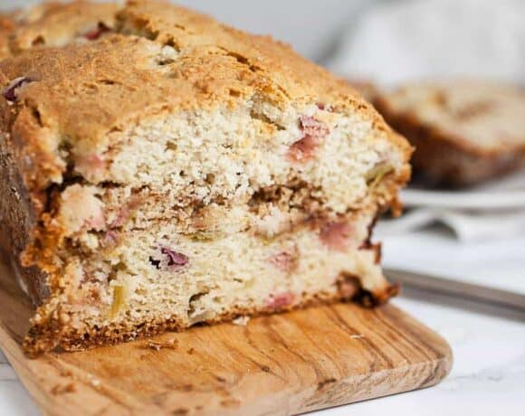 Rhubarb bread: rhubarb bread served on a wooden bread paddle