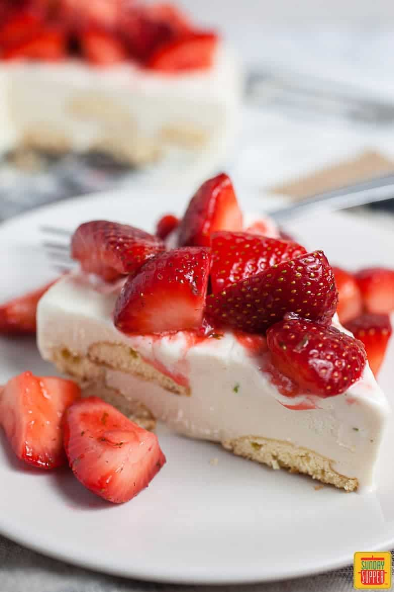 Single slice of Carlota de Limon with strawberries - Fresh Strawberry Desserts