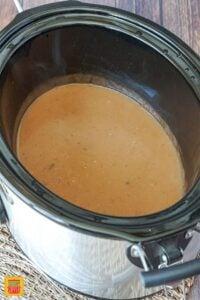 Beef gravy in the slow cooker