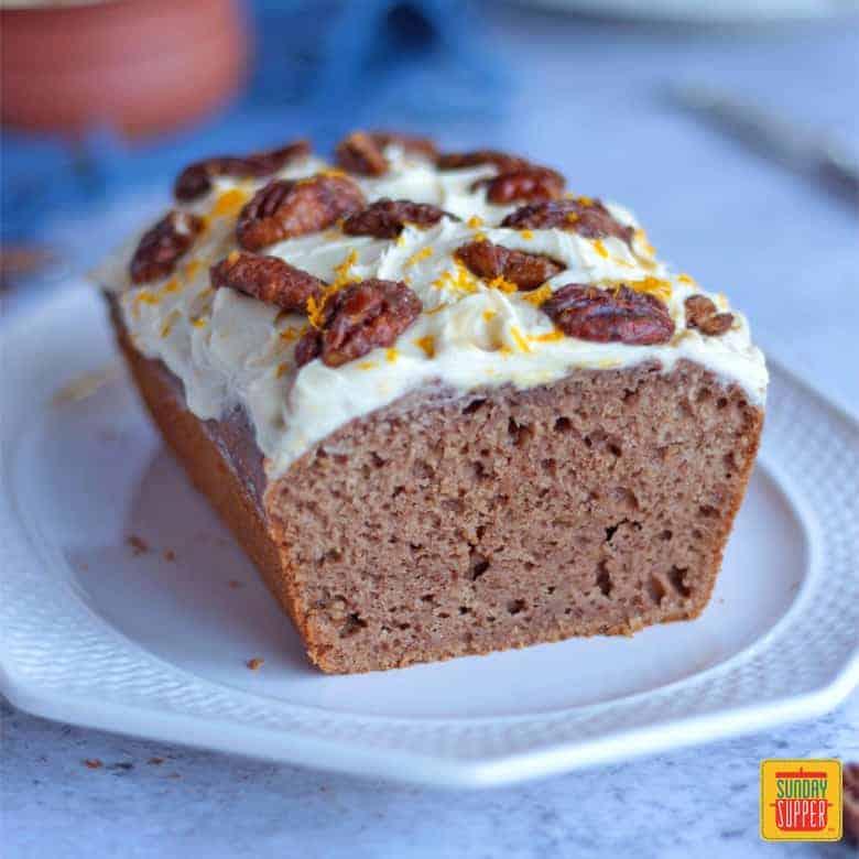 Close up on the sliced Gingerbread Loaf