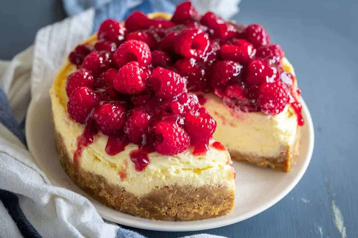 Instant Pot Cheesecake with raspberry decoration