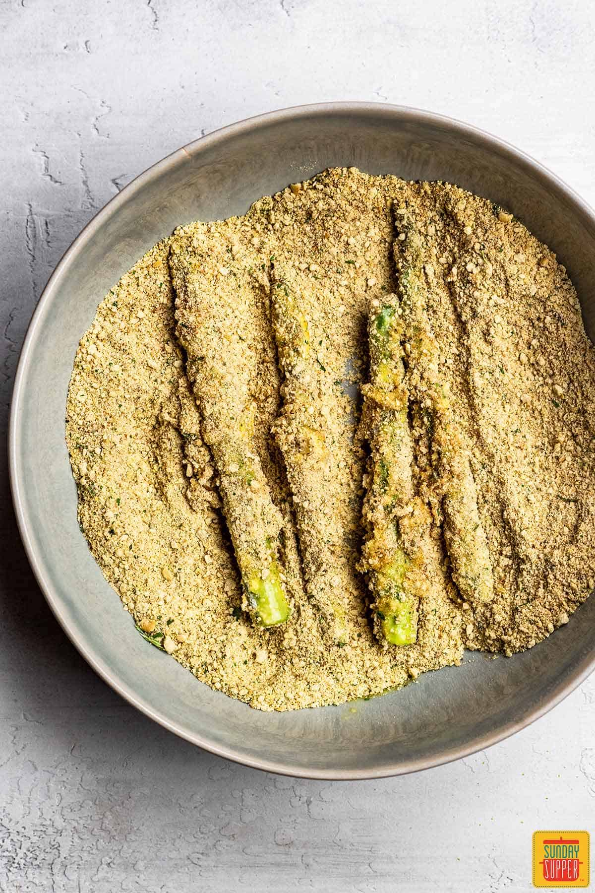 Breading asparagus for asparagus fries