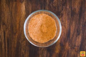Mixed turkey rub seasoning in a glass bowl